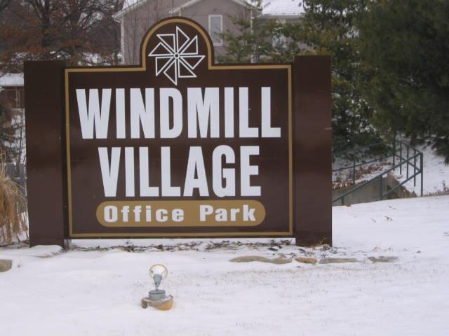 Windmill Village Office Park - 7211 W. 98th Terr, Overland Park - KS