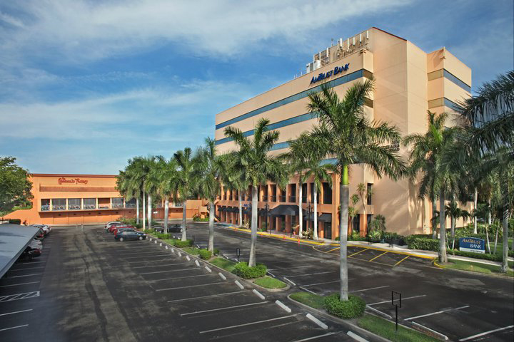 Glades Road - Boca Raton - FL