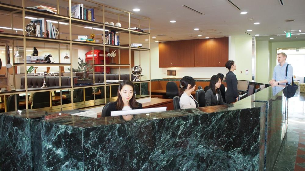 Office Space in Shinjuku Oak City Building