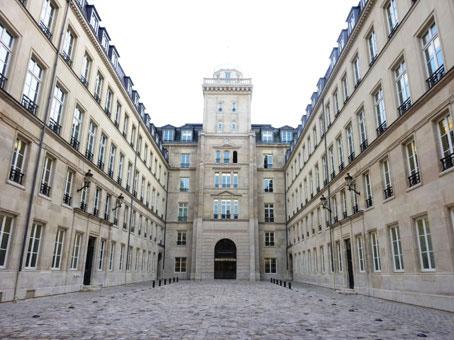 Invalides - rue de Grenelle, Paris