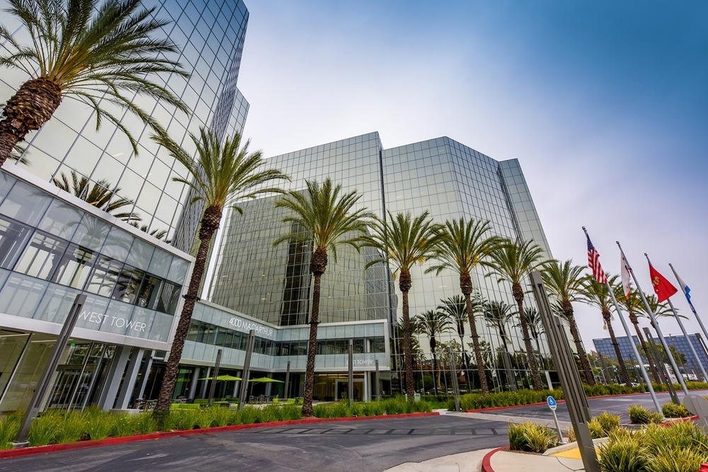 4MB - Newport Beach - CA - MacArthur Boulevard