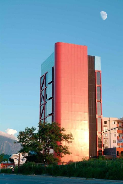 Ave. Morones Prieto - Monterrey