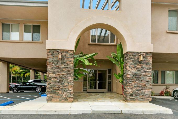 Rancho Santa Fe Executive Suites - Encinitas Blvd - Encinitas