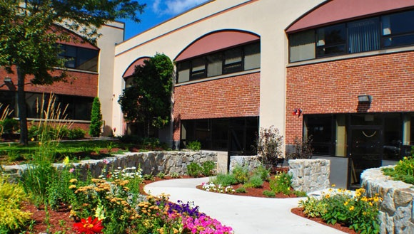 Cummings Executive Suites - Century Suites - 100 TradeCenter - Woburn - MA