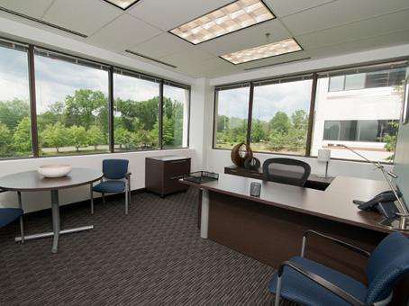 Office Space in nd Floor 325 Sentry Parkway West