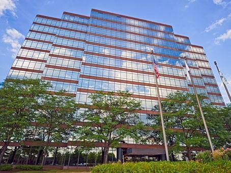 Regus - 1600 Corporate Center - Rolling Meadows