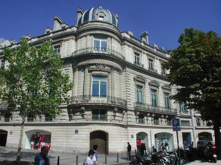 12 / 14 Rond-Point des Champs-Elysées - Paris