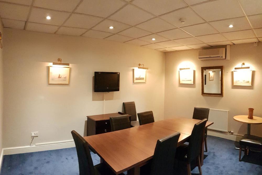 Ironmonger Executive Offices - 10 Ironmonger Lane, EC2 - Poultry