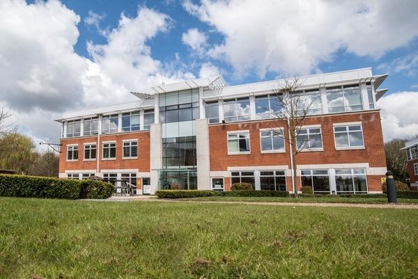 SPACES (Regus) - Building 1 - Chalfont House - Chalfont Park, SL9 - Gerrards Cross