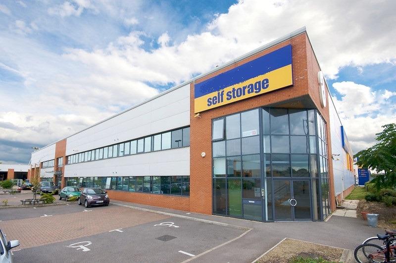 Safestore - Links Industrial Estate - Popham Close, TW13 - Hanworth