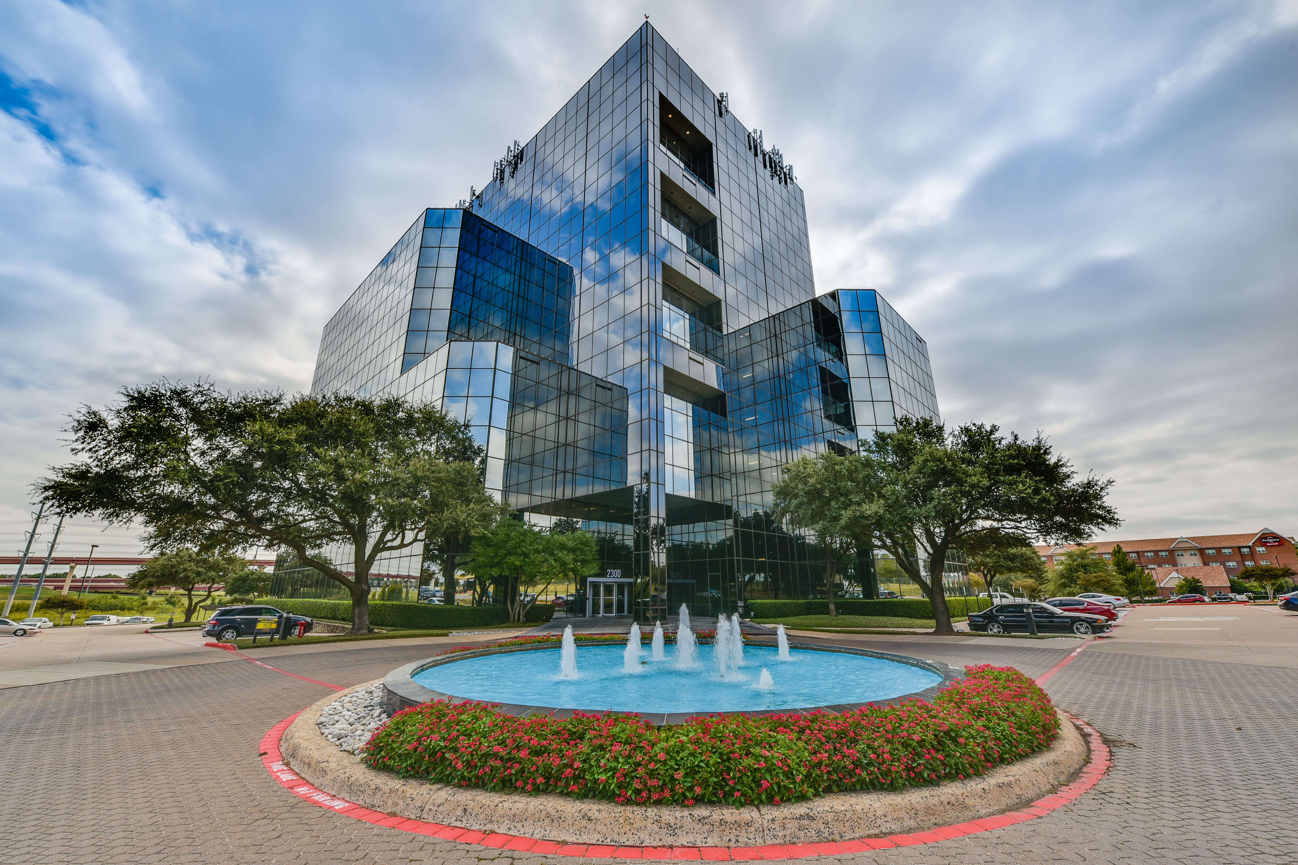 Boxer - 2300 Valley View Ln, Irving - Dallas