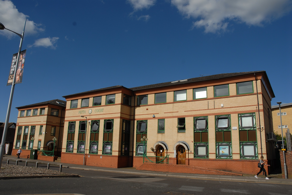 4 Penta Court - Station Road, WD6 - Borehamwood