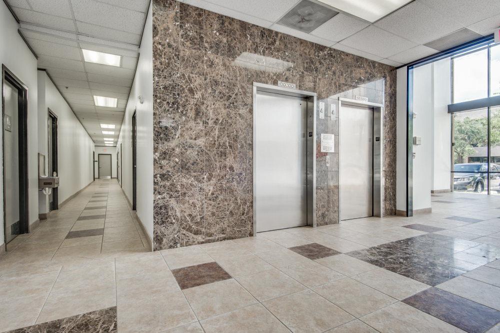 Office Space in Lyndon Office Plaza 10925-10945 Estate Lane