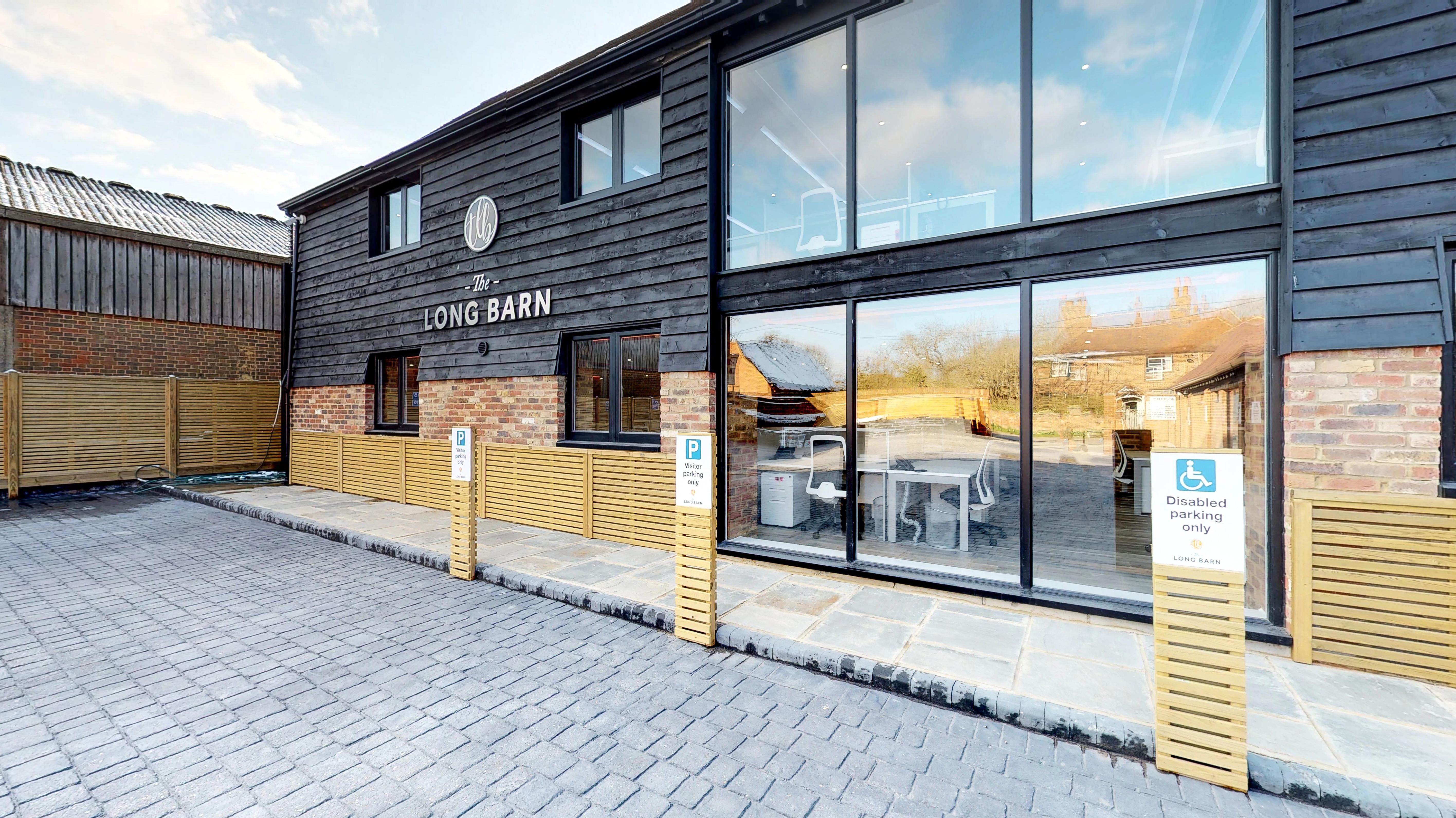 Accrue Workplaces - The Long Barn - Cobham Park Road, KT11 - Leatherhead (private, co-working, virtual)