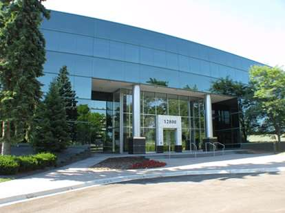 Officenters - 12800 Whitewater Dr - Minnetonka