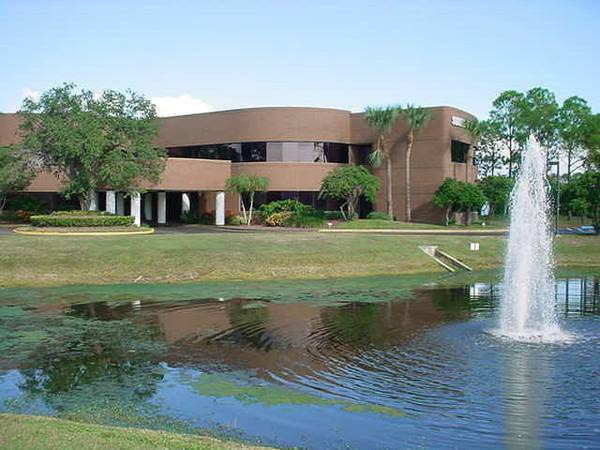 Summit Executive Center Office Building - 58th St North (ICOT Center) - Clearwater - FL