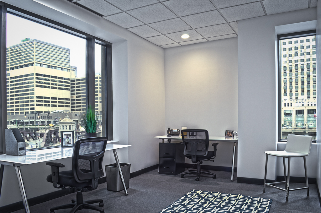 Office Space in W 4th St