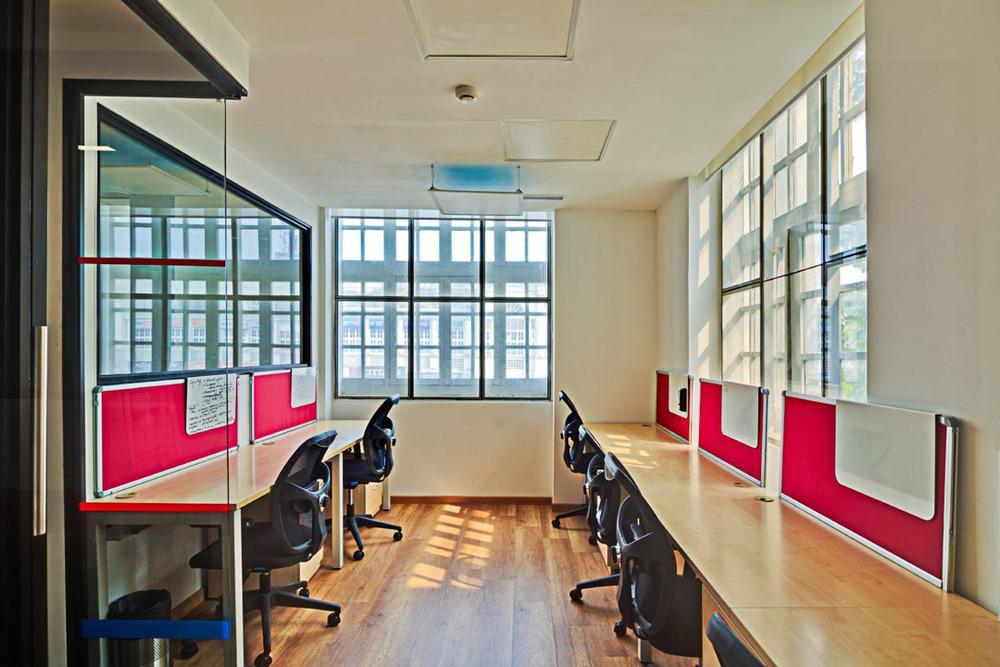 Pro-working @ Lokhandwala 1&2 - Aston Building -  Lokhandwala - Mumbai (private, coworking)