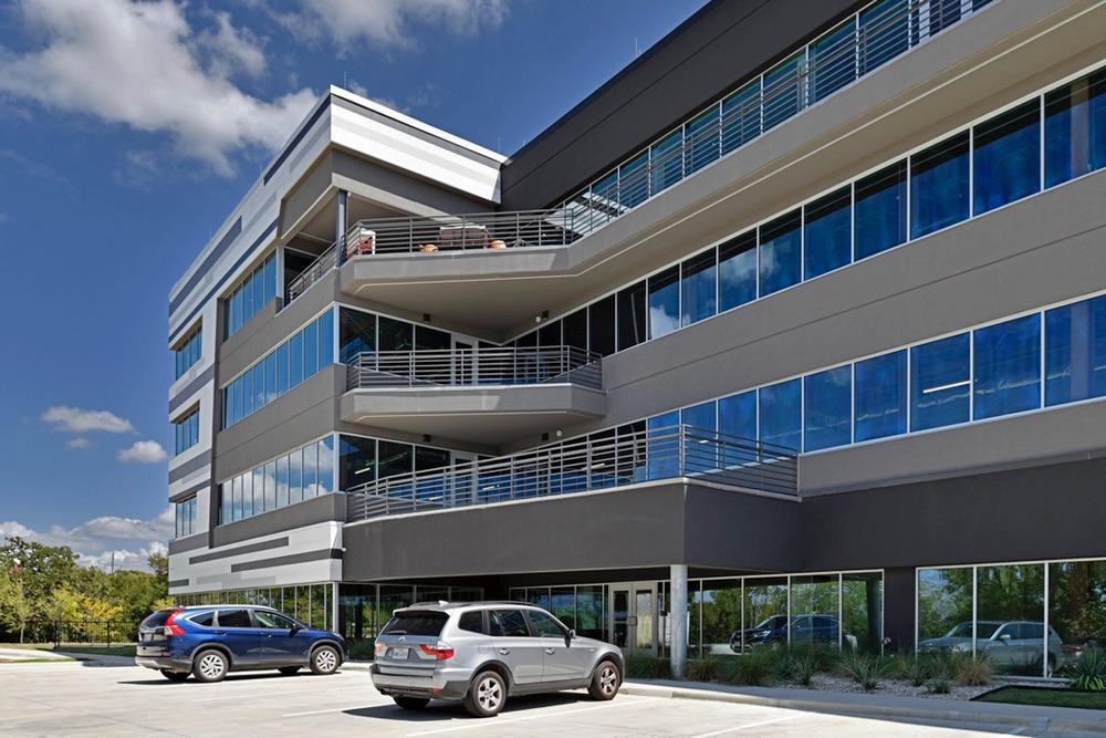 Venture X - DFW Airport North - 2451 E Grapevine Mills Circle - Grapevine - TX