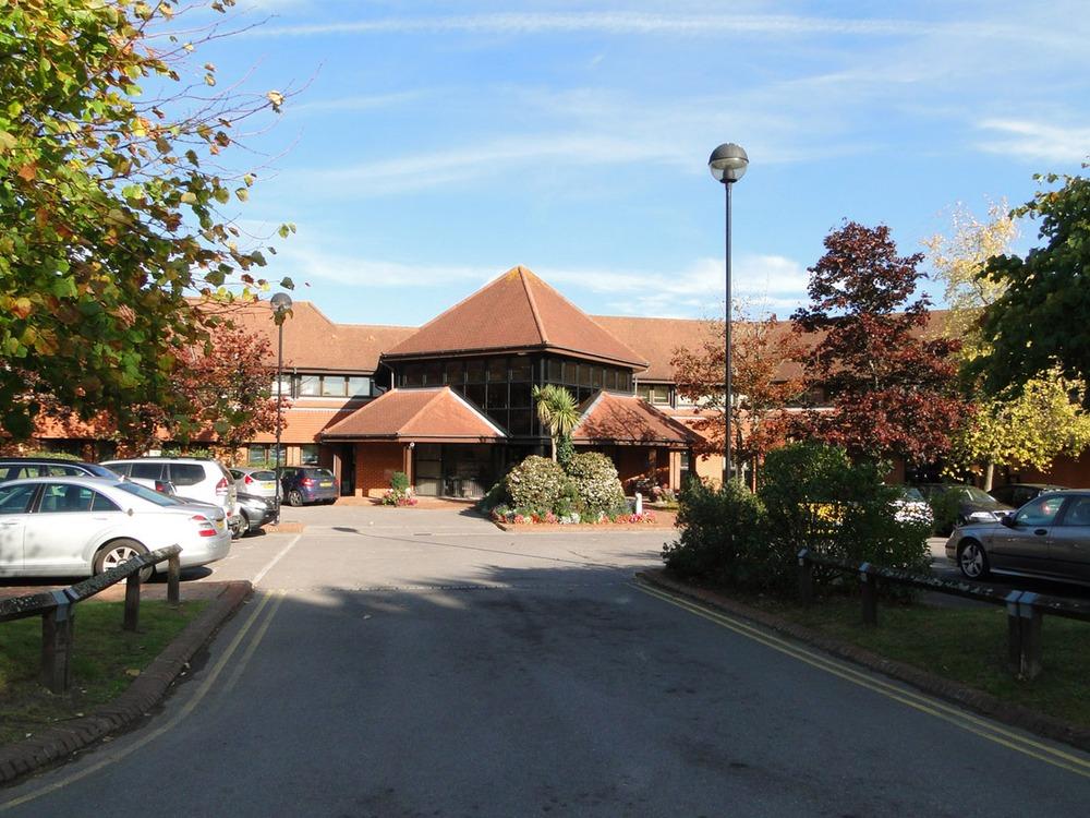 Grove House - Chineham Crt, RG24 - Basingstoke