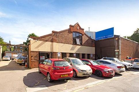 Arcadia Av, N3 - Finchley