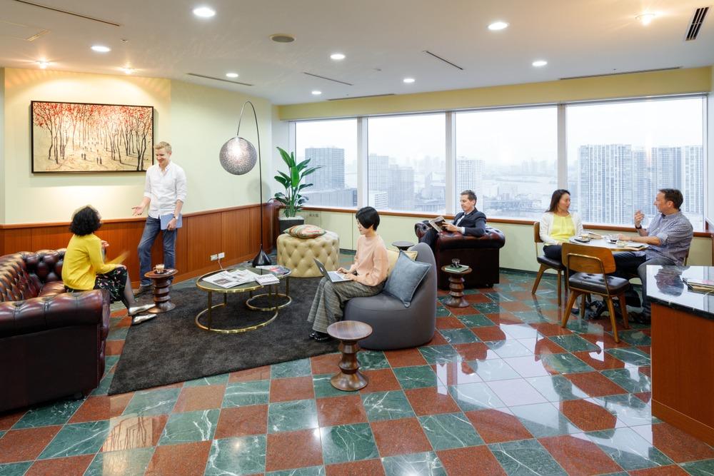 Hilton Plaza West Office Tower - Osaka