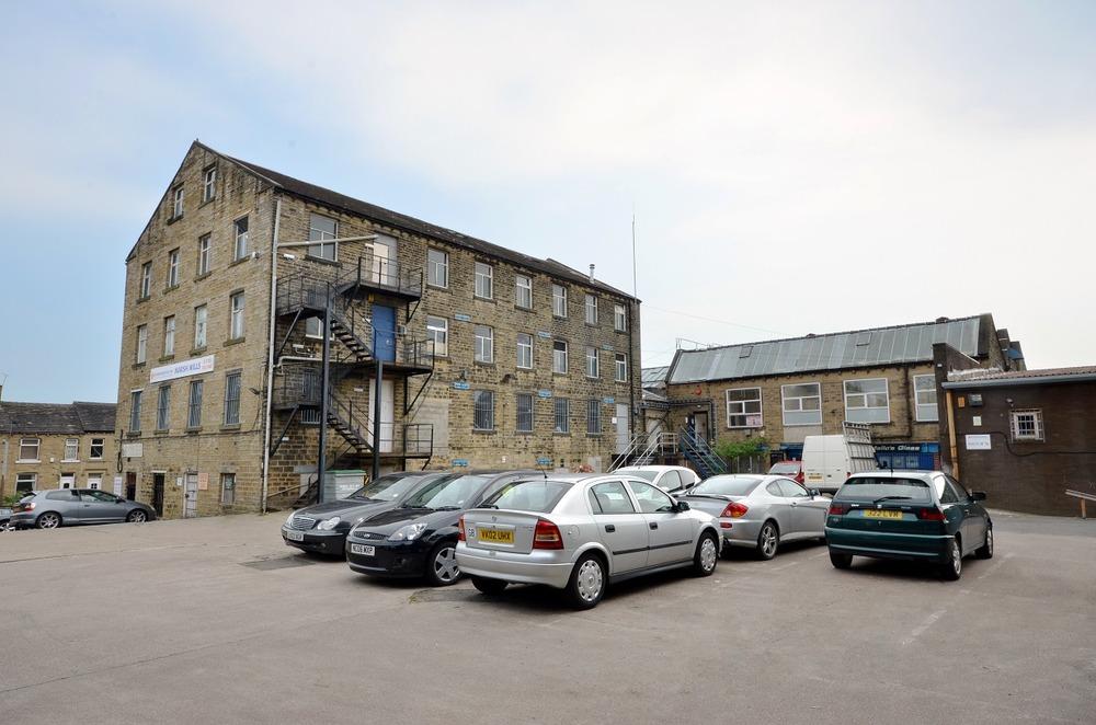 Biz-Space - Marsh Mills - Luck Lane, HD3 - Huddersfield