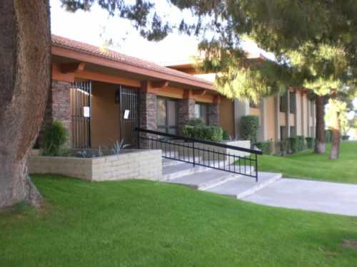 Plaza Executive Suites - Biltmore Office Plaza - 2942 N 24th Street - Phoenix - AZ