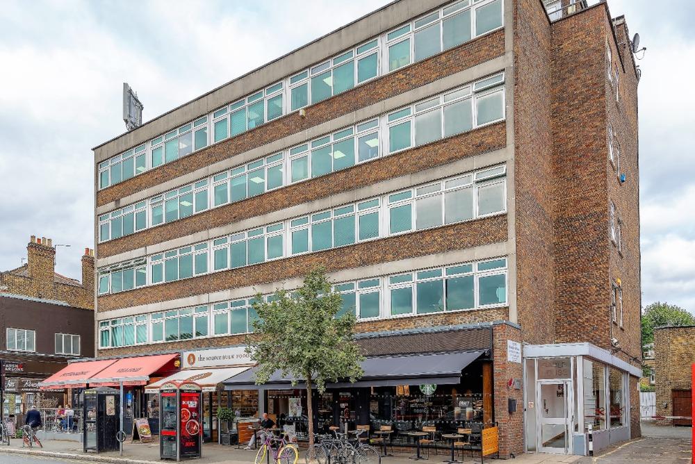 Gable House - Turnham Green Terrace, W4 - Chiswick