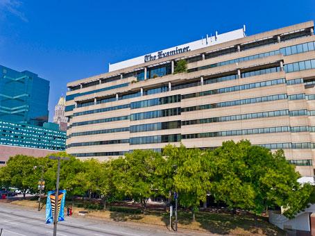 MD, Baltimore - Inner Harbor Center - East Pratt Street, Baltimore