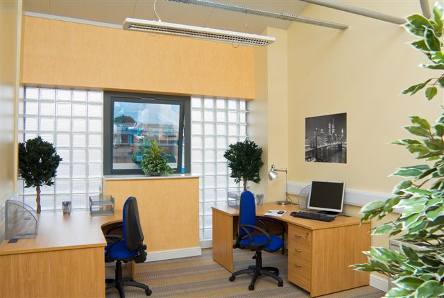 Office Space in Harriet House 118 High street